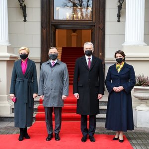 Įvardijo, kur sostinėje apsilankė Nausėdienė ir Lenkijos pirmoji ponia