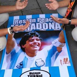 """Pele apie Maradonos mirtį: """"Vieną dieną sužaisime futbolą danguje"""""""