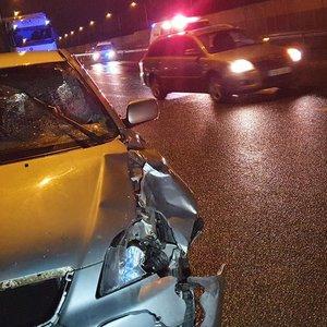 Kauno rajone automobilis partrenkė žmogų: 36-erių metų pėsčioji mirė