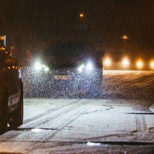 Vaizdas panašės į žiemą: perspėja apie plikledžio pavojų