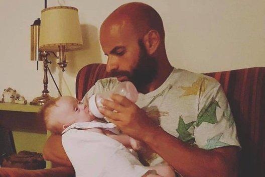 Luca Trapanese su dukra (nuotr. Instagram)