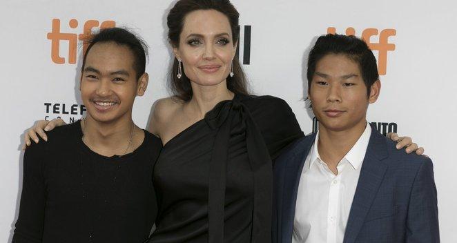 Faktai, kurių apie Jolie vaikus nežinojote: tėvai stengiasi apsaugoti nuo viso pasaulio