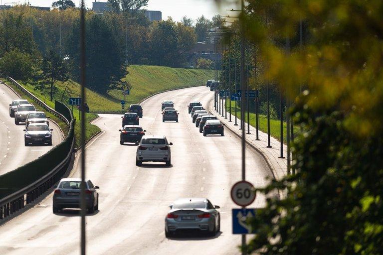 Eismas, automobiliai (nuotr. Fotodiena/Justino Auškelio)