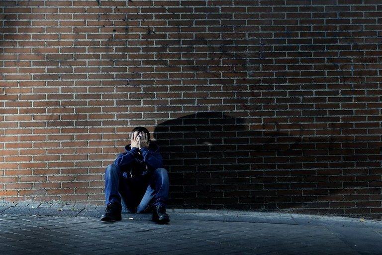Liūdnas vyras (asociatyvi nuotrauka) (nuotr. 123rf.com)