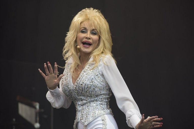 Dolly Parton (nuotr. SCANPIX)