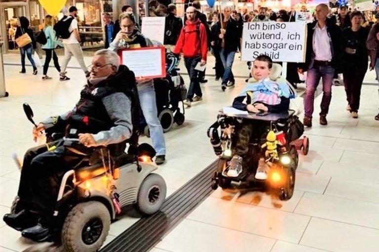 Vokietijoje negalią turintys žmonės aktyviai gina savo teises. (nuotr. asm. archyvo)