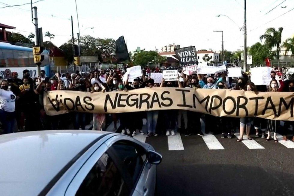 Brazilijoje masiniai protestai (nuotr. stop kadras)