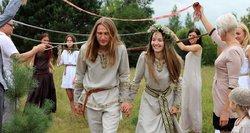 Kaip atrodo vestuvės pagal senąsias baltų tradicijas: aukuras, vaidila ir jokio alkoholio