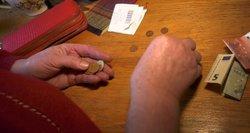 Du scenarijai pensijoms Lietuvoje: pagal vieną iš jų jos augtų daugiau nei 70 eurų