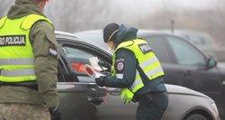 Siūlo dar griežtinti karantiną – ribotų keleivių skaičių automobiliuose