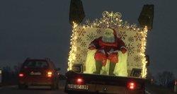 Labiausia apsidžiaugė vaikai: Vilkaviškio rajone Kalėdų senelis sveikino išradingai