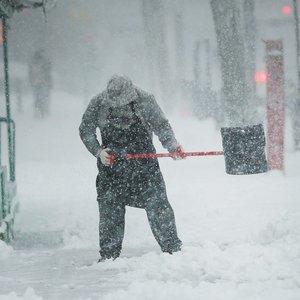 Sinoptikai ragina ruoštis – Lietuvą užklups pūga, snigs itin smarkiai