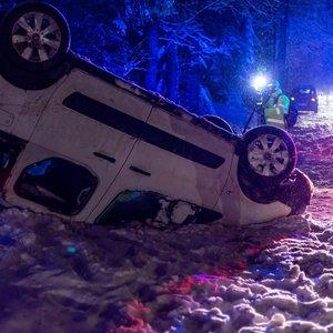 Sningant vakare Vilniuje pasipylė avarijos