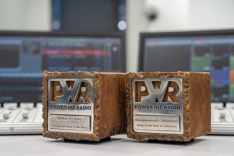 """2020 """"Power hit radio"""" apdovanotieji (nuotr. Organizatorių)"""