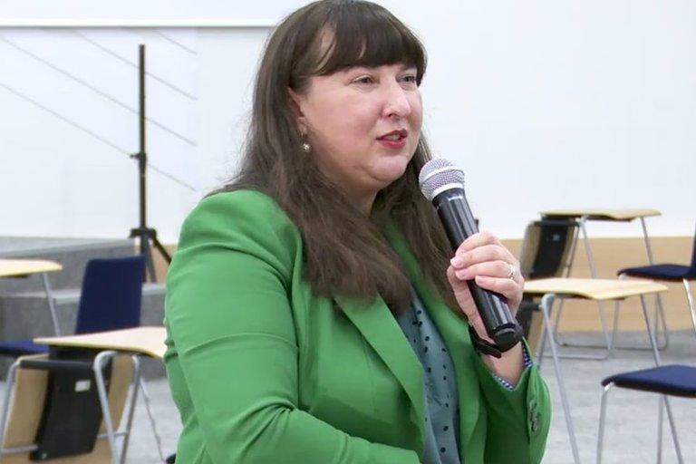 """Parodos """"Mokykla 2020"""" lektorė, Nacionalinės švietimo agentūros Švietimo pagalbos departamento Specialiosios pedagogikos skyriaus specialioji pedagogė Ana Pavilovič-Jančis."""