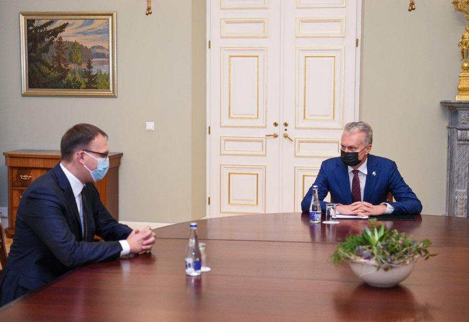 Kandidatas į susisiekimo ministrus K. Adomaitis prisistatė G. Nausėdai