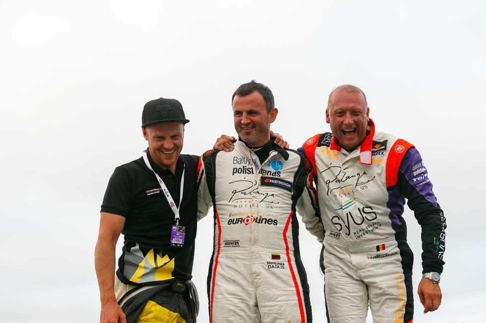 """Palangos """"Aurum 1006 km"""" lenktynių laimėtojai (nuotr. Tv3.lt/Ruslano Kondratjevo)"""