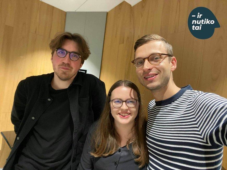 """Karolina Dačkutė su laidos herojais Mantu Razgaičiu (kairėje) ir Jaunium Špakausku. """"ir nutiko tai"""" archyvo nuotr."""