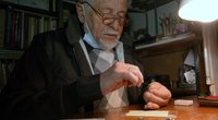 Miniatiūrinių daiktų menininkas Kusas pristato naujienas: šį kartą išbandė metalą (nuotr. stop kadras)
