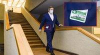 """Karbauskis pastebėtas su """"virusų blokatoriumi"""" (nuotr. Fotodiena/Justino Auškelio)"""