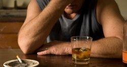 """Naujas alkoholiko """"užgėrimo"""" atskaitos taškas – """"nuokarantino pradžios"""": kas verčia lietuvius prasigerti?"""