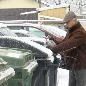 Vilnių užvertė ne tik sniegu, bet ir šiukšlėmis: blogiausia, kad gyventojai nebenorės rūšiuoti