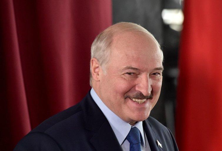 Atrado silpną Lukašenkos vietą: sankcijos režimui nebeatrodys juokingos? (nuotr. SCANPIX)