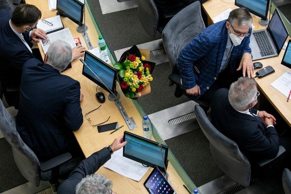 Saulius Skvernelis Seimui pristatė paskutinę šioje kadencijoje Vyriausybės veiklos ataskaitą