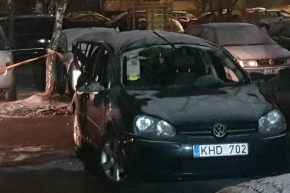 Kauniečiai sukrėsti dėl mašinos sprogimo: kaimynė prabilo apie įtartinus garsus (nuotr. stop kadras)