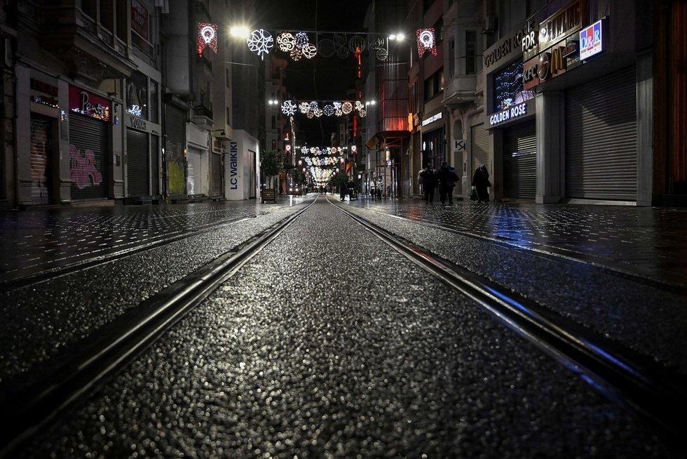 Karantinas Stambule: tuščios gatvės (nuotr. SCANPIX)
