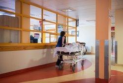 Gydytojai kreipiasi į pacientus: jei tai tęsis, sulauksime dar didesnio perteklinių mirčių šuolio