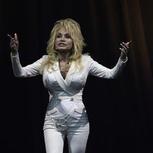 Atlikėja Dolly Parton išgyvena skaudžią netektį: neslėpė sielvarto ir skyrė jautrius žodžius