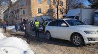Kalvarijų gatvėje automobilis užvažiavo ant senutės kojos (nuotr. TV3)