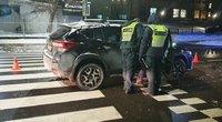 Vilniuje automobilis parbloškė per pėsčiųjų perėją ėjusią moterį: po smūgio ji neteko sąmonės (nuotr. Bronius Jablonskas/TV3)