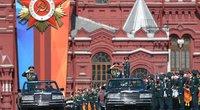 Karinis paradas Maskvoje: blizgučius užgožė nerimas dėl pasaulio ateities (nuotr. SCANPIX)
