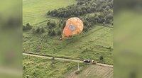 Su oro balionais į audrą patekę dalyviai: pasakė, kad reikia leistis – nesvarbu javų ar bulvių laukas (nuotr. stop kadras)