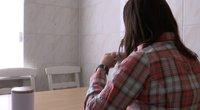 Vyro smurtą patyrusi moteris (nuotr. stop kadras)