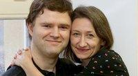 Vytautas ir Laima Butėnai augina autizmo spektro sutrikimą turintį sūnų. Pora niekuomet negalvojo, jog apie savo patirtis prabils viešai – vis dėlto, susidūrę su informacijos stoka ėmė ją kaupti patys ir dalintis su tokio paties likimo tėvais. / Algimanto