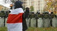 Iš Minsko – pranešimai apie guminėmis kulkomis sužeistus protestuotojus (nuotr. SCANPIX)