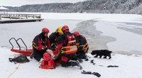 Gelbėtojai įspėja žvejus: ledas plonas ir labai pavojingas (nuotr. Broniaus Jablonsko)