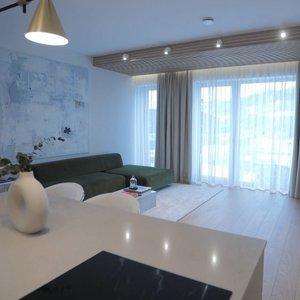 Interjero dizainerė įrengė butą Vilniaus centre: pasakė, kur galima sutaupyti