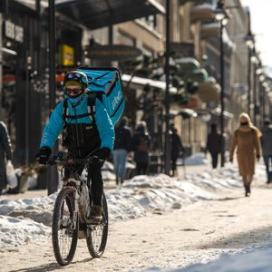 Sniegas tirpti nesustos: į šalį atplūsta šiluma