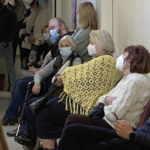 Gydytojai vos spėja suktis: šimtai žmonių – su įvairiausiais lūžiais