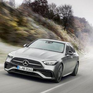 """""""Mercedes-Benz"""" pristatė naują C klasės modelį – įvertinkite"""