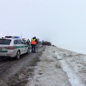 Vyrą skiepyti vežusį greitoji pateko į avariją: žuvo automobilio vairuotojas, senjorui lūžo kojos