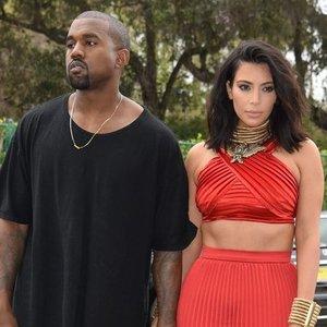 Kardashian skyrybose dalinsis milžinišką turtą: moteriai atstovaus viena stipriausių skyrybų advokačių