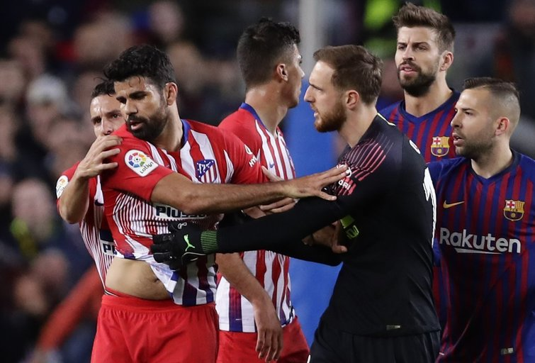 D.Costa išvarytas iš aikštės (nuotr. SCANPIX)