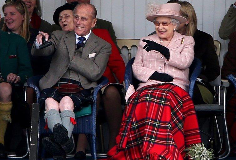 Karalienė Elizabeth II ir vyras princas Philipas (nuotr. SCANPIX)