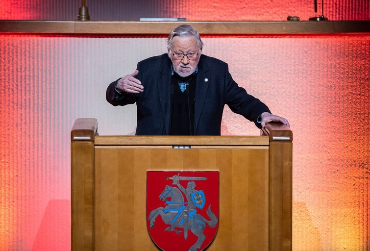 V. Landsbergis