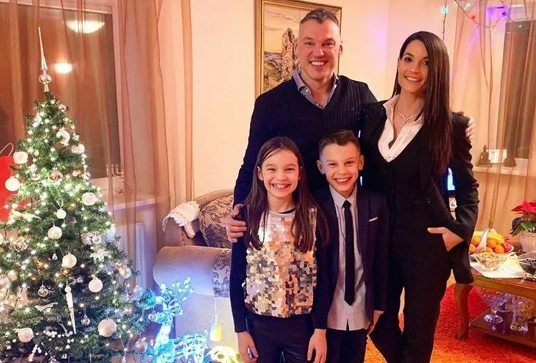 Šarūnas Jasikevičius su šeima (nuotr. Instagram)